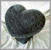 Plastische Herz aus Granit mit Sockel